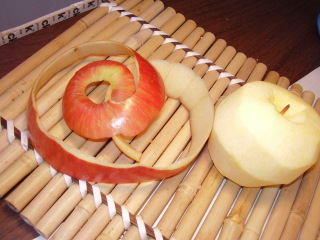 Peel_apple